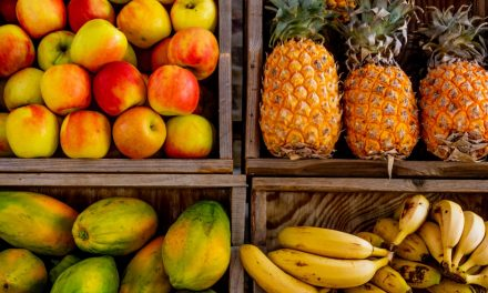 Foods To Avoid And Consume For Great Skin