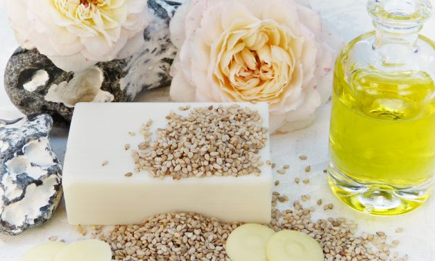 The Pros & Cons Of Using Glycerin In Your Skin Care Regime